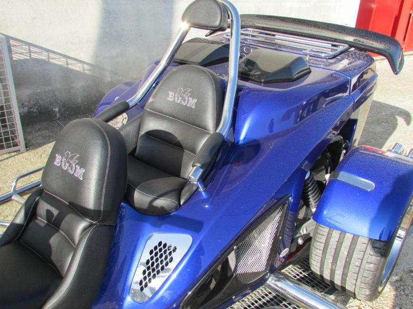 Mustang 1.5L bleu BMW place arrière