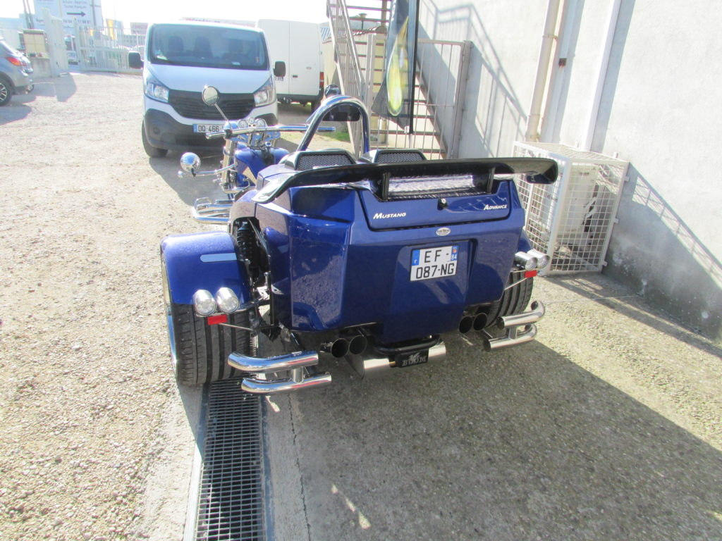 Mustang 1.5L bleu BMW arrière