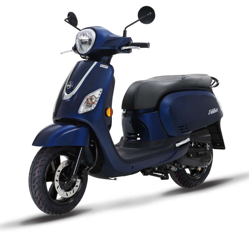 scooter vespa bleu