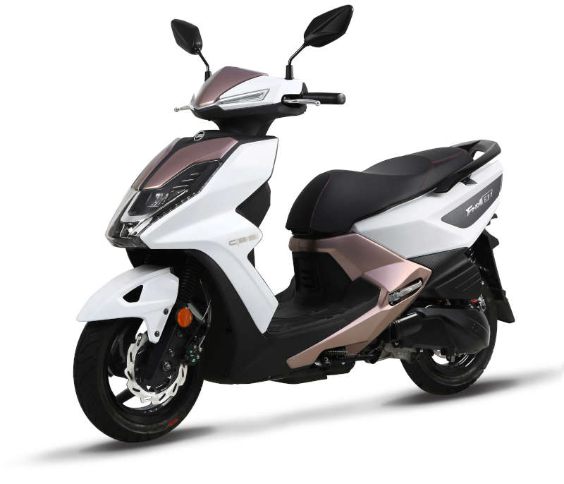 scooter sym 125 urbain blanc et champagne