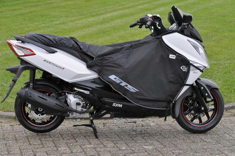 tablier pour scooter 300