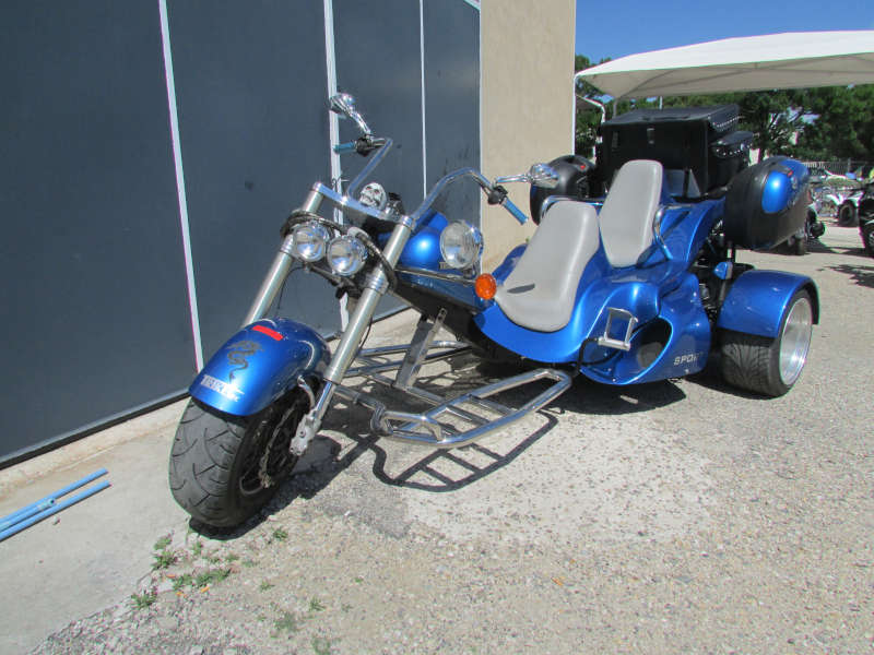 trike-auto-bleu