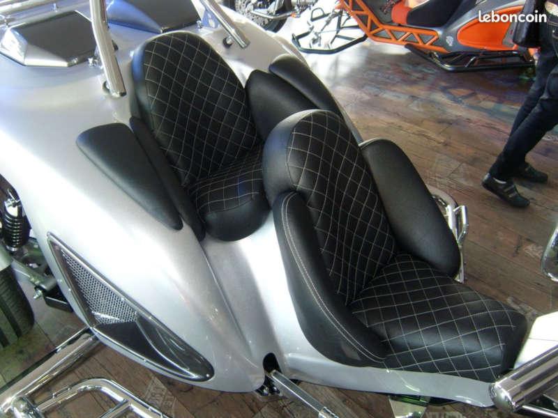 trike-siège-confort-cuir-damier